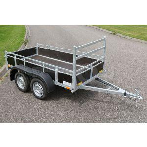 """Aanhangwagen 257x132 (lxb bak), 2x750kg bruto (508 netto), laadvloerhoogte 54cm, Bruin betonplex borden met vastzetrail, banden 13"""", tandemas"""