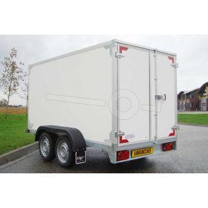 """gesloten aanhangwagen, 257x157x150 (lxbxh), 2000kg bruto (1490 netto),witte plywood wanden en 2 deuren achter, vloerhoogte 55cm, banden 13"""", tandemas"""