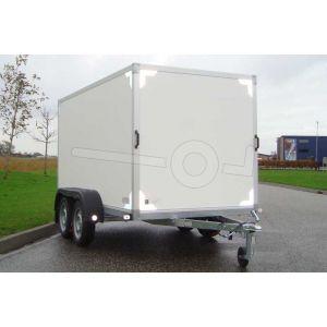 """gesloten aanhangwagen, 257x132x150 (lxbxh), (2x) 750kg bruto (400 netto),witte plywood wanden en 2 deuren achter, vloerhoogte 55cm, banden 13"""", tandemas."""