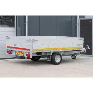 Plateauwagen 260x150, bruto 1500kg (1200 netto), laadvloerhoogte 56cm, 40cm aluminium borden, Banden 195/55R10, enkelas