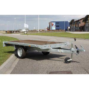 Plateauwagen 310x160, laadvermogen bruto 750kg (500 netto), laadvloerhoogte 72cm, geheel vlak (geen borden), Banden 155R13, enkelas