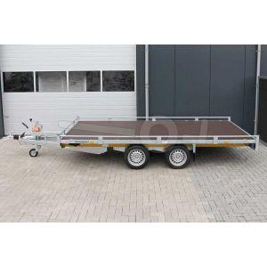 Autoambulance Eduard 406x200cm met dichte laadvloer, 10cm railing, kabellier op liersteun en geprofileerde oprijplaten in cassette onder de laadvloer, laadvloerhoogte 63cm, bruto laadvermogen 2700kg