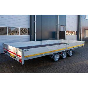 Multitransporter drieasser 406x200, bruto 3500kg (ca. 2710 netto), laadvloerhoogte 56cm, 30cm aluminium borden, lier en oprijplaten, banden 195/55R10, 3 x 1350kg as