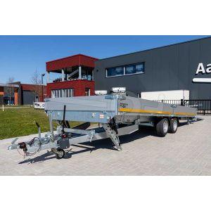 Voorzijde van de Eduard kantelbare multitransporter 506x200cm bruto totaalgewicht 3000kg laadvloerhoogte 63cm met gekiepte laadbak