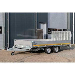 Voorzijde kantelbare Eduard machinetransporter met oprijklep 406x200cm bruto laadvermogen 3000kg laadvloerhoogte 63cm elektrische bediening 4020-4-AKB30-300-N-63