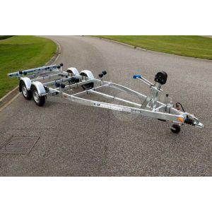 Tandemasser sloeptrailer Kalf Basic 2000-62 afmeting 620x210cm met een bruto laadvermogen van 2000kg (1510 netto)