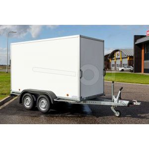 """Gesloten aanhangwagen, 257x132x150 (lxbxh), bruto (2x) 750kg (310 netto),witte glad plywood wanden (ook wit dak) en 2 deuren achter, vloerhoogte 52cm, banden 13"""", tandemas"""