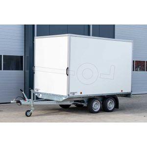 Gesloten plateauwagen 355x180x188 (lxbxh), bruto 3000kg, witte PPL wanden en 2 deuren achter, tandemas geremd