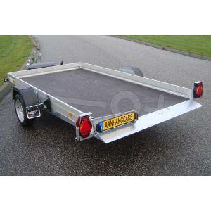 """transporter voor kleine voertuigen,hydraulisch zakbaar,  250x156,  bruto1500kg (1168 netto), vloerhoogte 42cm, oprijhoek 6º, 15cm aluminium borden, banden 13"""", enkelas"""