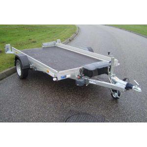 """transporter voor kleine voertuigen,hydraulisch zakbaar,  250x156,  bruto1800kg (1450 netto), vloerhoogte 42cm, oprijhoek 6º, 15cm aluminium borden, banden 13"""", enkelas"""