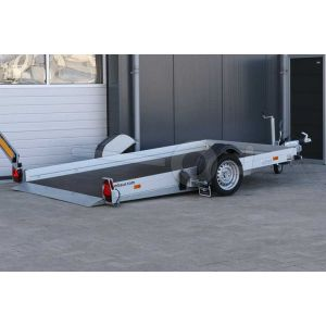 """transporter voor kleine voertuigen,hydraulisch zakbaar,  310x176,  bruto1800kg (1415 netto), vloerhoogte 42cm, oprijhoek 4º, 15cm aluminium borden, banden 13"""", enkelas"""