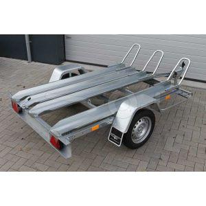 """Motortrailer kantelbaar voor 3 motoren, 211x129 (lxb bak), 750kg bruto (581 netto) laadvloerhoogte 53cm, vlakke vloer met Rijgoten, banden 13"""", enkelas"""