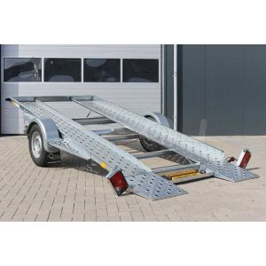 Linker achterzijde Blyss Daytona 1500 kantelbare autoambulance met gekantelde laadvloer