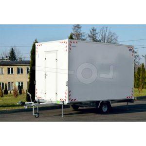 Blyss schaftwagen Comfort, met inrichting, voorzien van elektra, 370x210x230cm (lxbxh) bruto 1350kg (510kg netto), wanden 24mm sandwich, 1 deur boven dissel, 195/50R10 banden, enkelas geremd