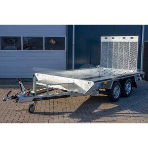 "Machinetransporter 350x160cm (lxb laadbak), bruto 2700kg (ca. 1945kg netto), 30cm stalen borden, banden 14"", tandemas"