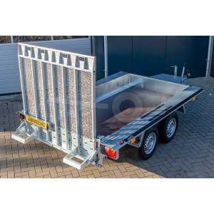 "Machinetransporter 350x160cm (lxb laadbak), bruto 3500kg (ca. 2695kg netto), 30cm stalen borden, banden 14"", tandemas"
