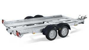 Humbaur autotransporter met wielen naast de bak
