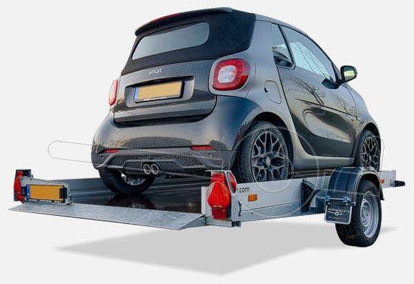 Smart op een zakbare kleine autoambulance