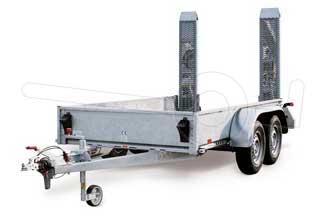 Machinetransporter met geïntegreerde oprijplaten