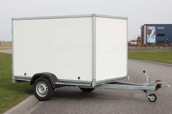 Powertrailer gesloten aanhangwagen met witte PPL kunststof panelen